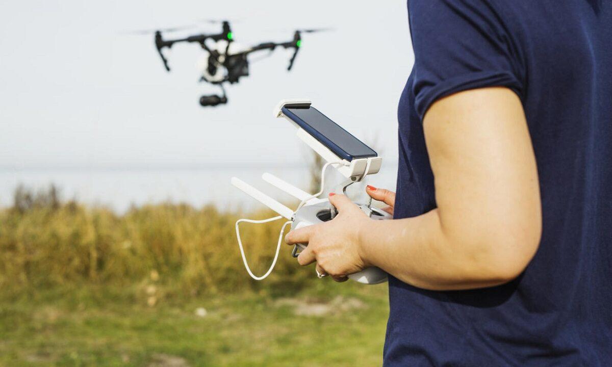 Czy drony DJI Mavic dobrze sprawdzają się ze smartfonami na androidzie?