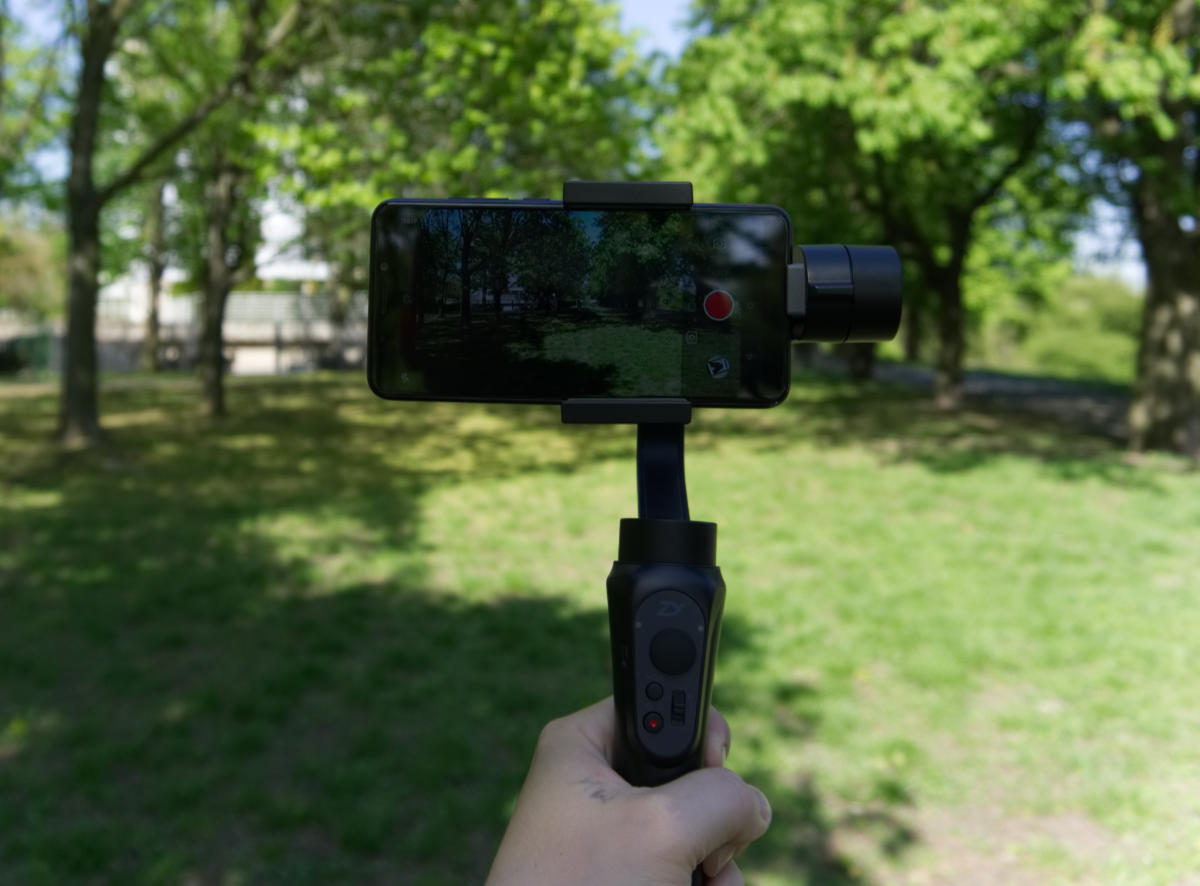 Gimbal do smartfona ZHIYUN Smooth-Q – recenzja.