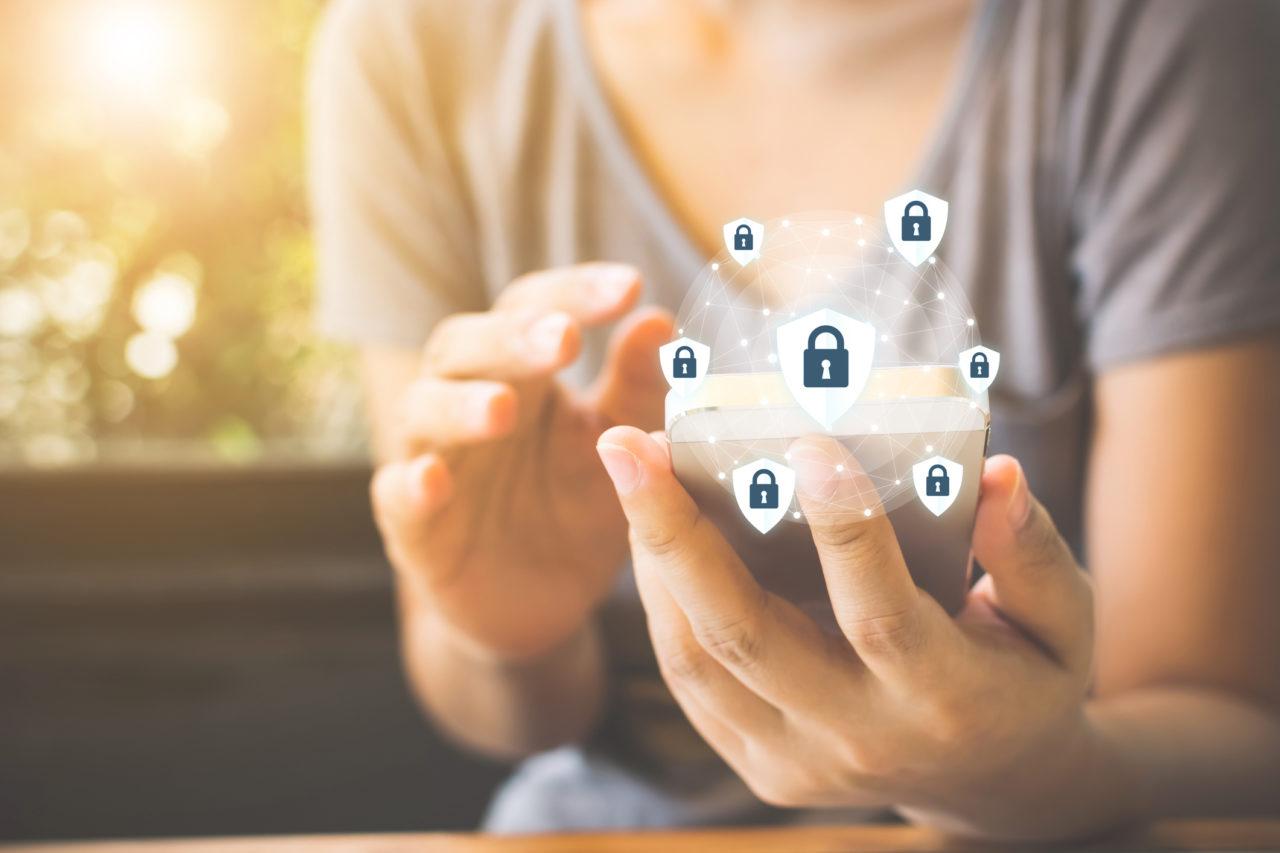 Sprawdź jak w 9 krokach uchronić swoje urządzenia mobilne przed cyberatakami. Antywirus na smartfony w home.pl