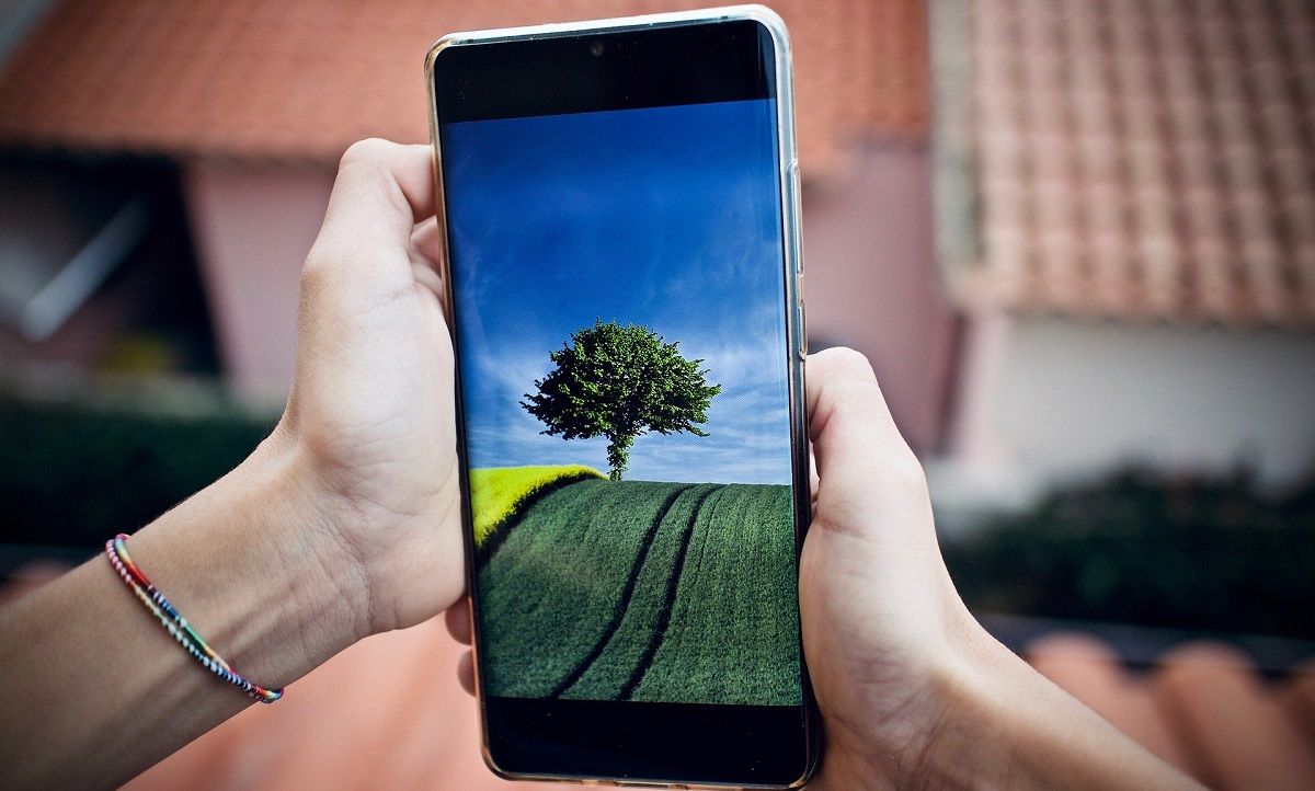 https://www.fandroid.com.pl/wp-content/uploads/jak-wybrac-smartfon.jpg