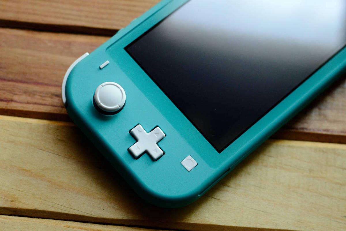 https://www.fandroid.com.pl/wp-content/uploads/nintendo-switch-czy-wypasiony-smartfon-na-czym-lepiej-sie-gra.jpg