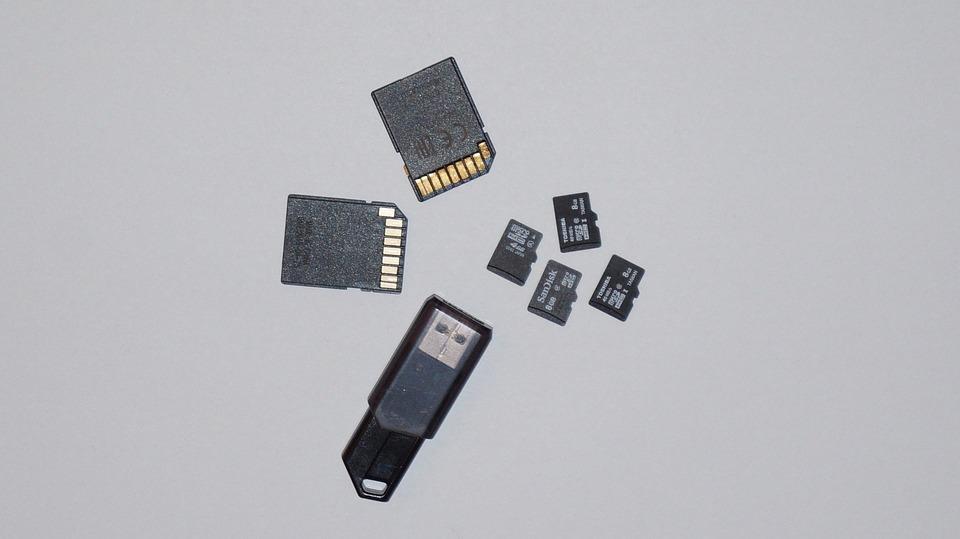 Odzyskiwanie danych z kart micro SD.