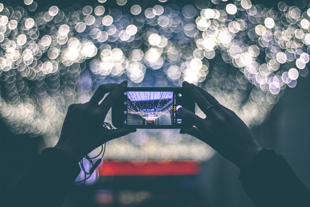 Potrójny aparat trendem w smartfonach w 2019 roku!