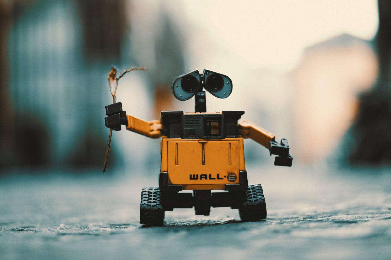 https://www.fandroid.com.pl/wp-content/uploads/robot-1280x853.jpg