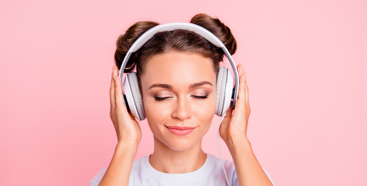 Wygodne, piękne, wysokiej jakości. Wybieramy najlepsze słuchawki dla kobiet