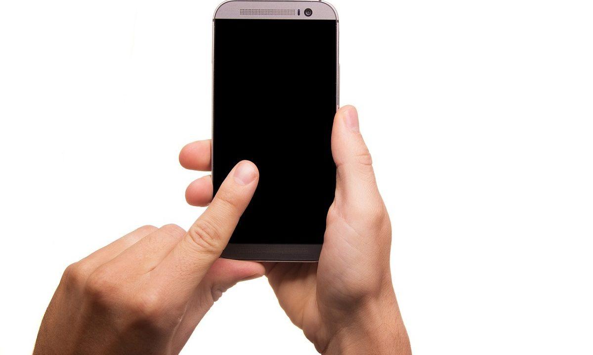 https://www.fandroid.com.pl/wp-content/uploads/smartfon-1-1200x720.jpg